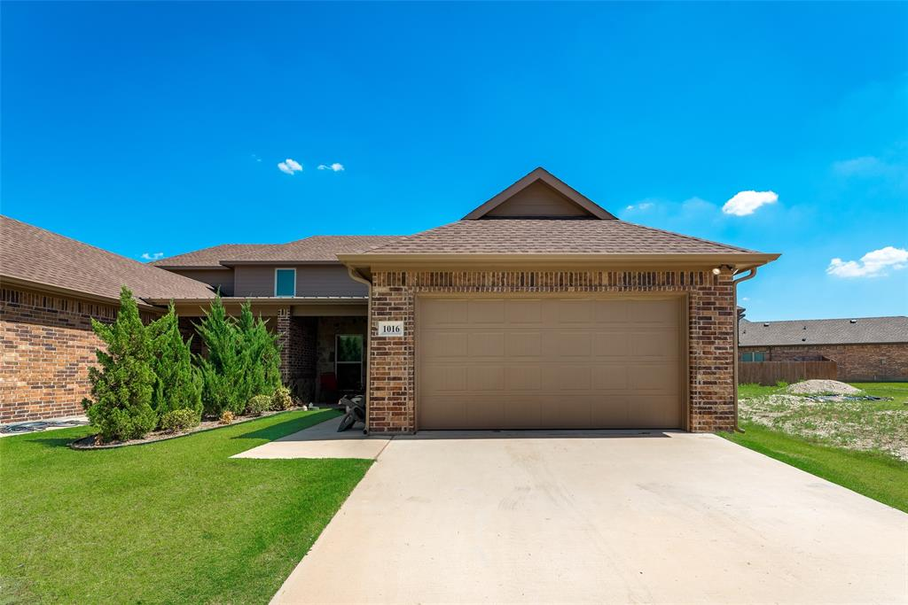 1016 Skyview  Court, Midlothian, Texas 76065 - acquisto real estate best the colony realtor linda miller the bridges real estate