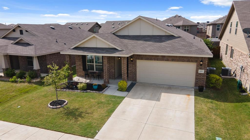6253 Topsail  Drive, Fort Worth, Texas 76179 - acquisto real estate mvp award real estate logan lawrence