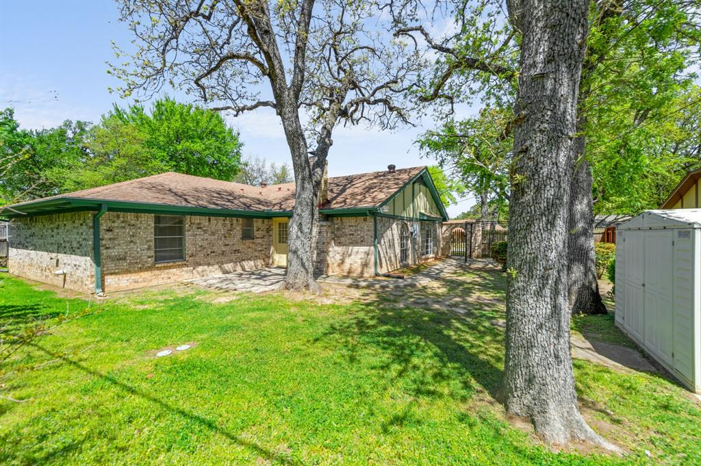 413 Salem  Drive, Hurst, Texas 76054 - Acquisto Real Estate best mckinney realtor hannah ewing stonebridge ranch expert