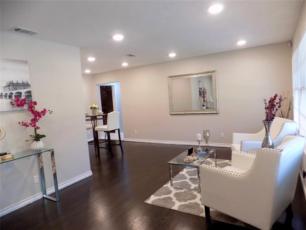 2730 Tisinger  Avenue, Dallas, Texas 75228 - acquisto real estate best real estate company to work for