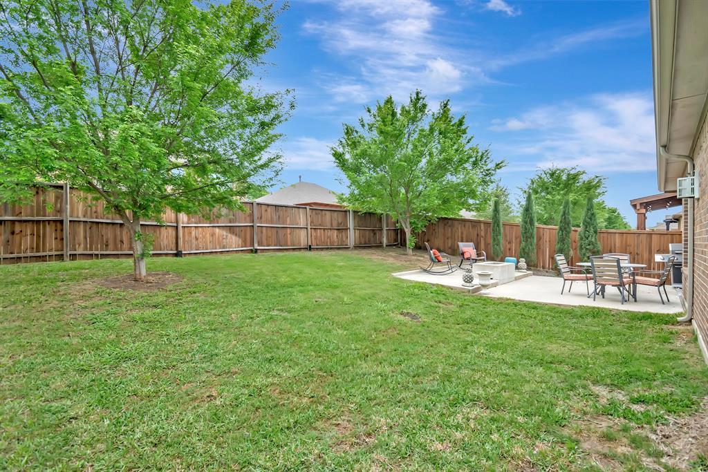 1395 Sandhurst  Drive, Roanoke, Texas 76262 - acquisto real estate best park cities realtor kim miller best staging agent