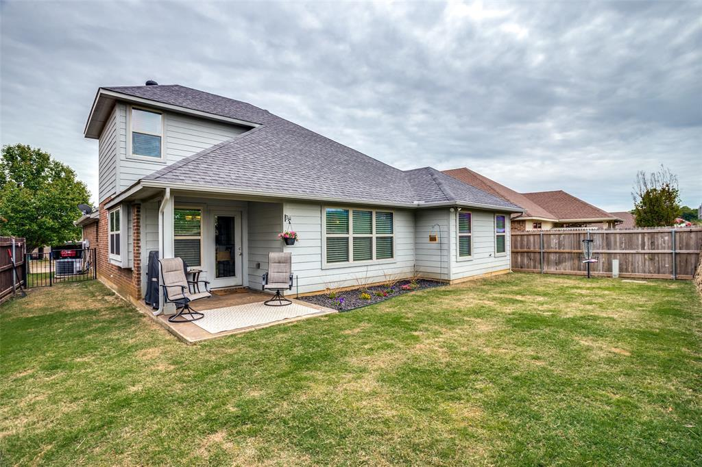 2924 Greenway  Drive, Burleson, Texas 76028 - acquisto real estate best realtor foreclosure real estate mike shepeherd walnut grove realtor
