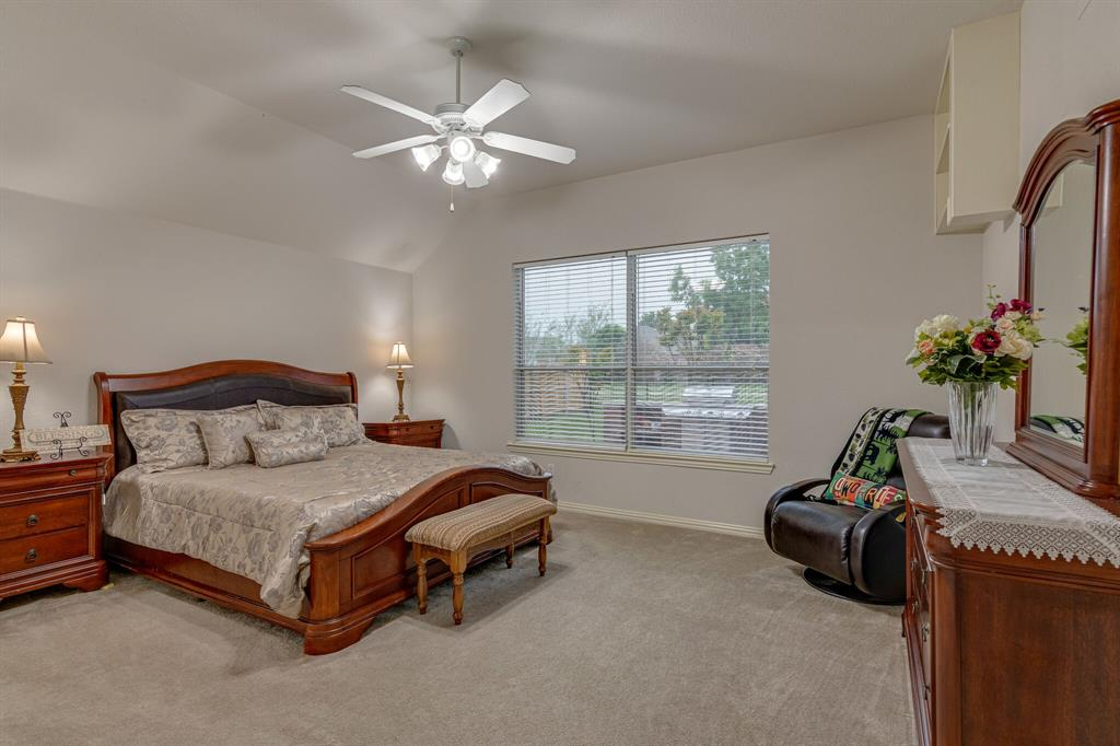13305 Austin Stone  Drive, Fort Worth, Texas 76052 - acquisto real estate best listing agent in the nation shana acquisto estate realtor