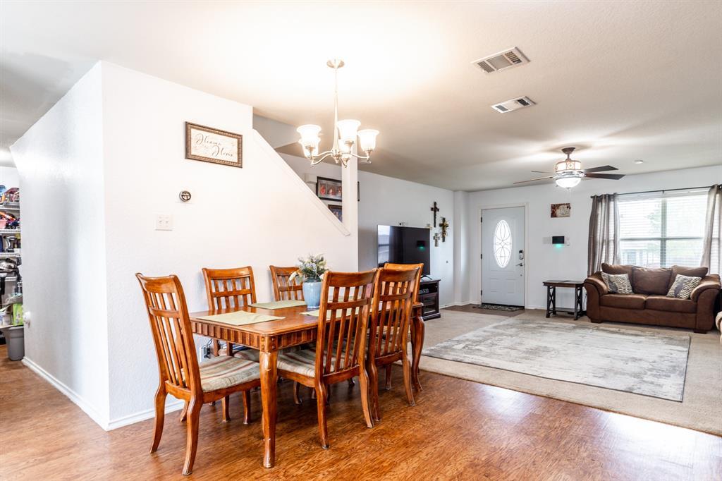 1824 Vineridge  Lane, Burleson, Texas 76028 - acquisto real estate best celina realtor logan lawrence best dressed realtor