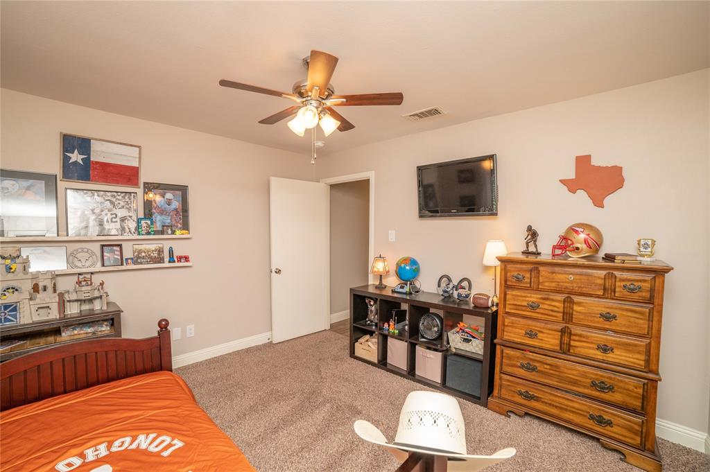 2426 Sherwood  Drive, Grand Prairie, Texas 75050 - acquisto real estate best real estate follow up system katy mcgillen