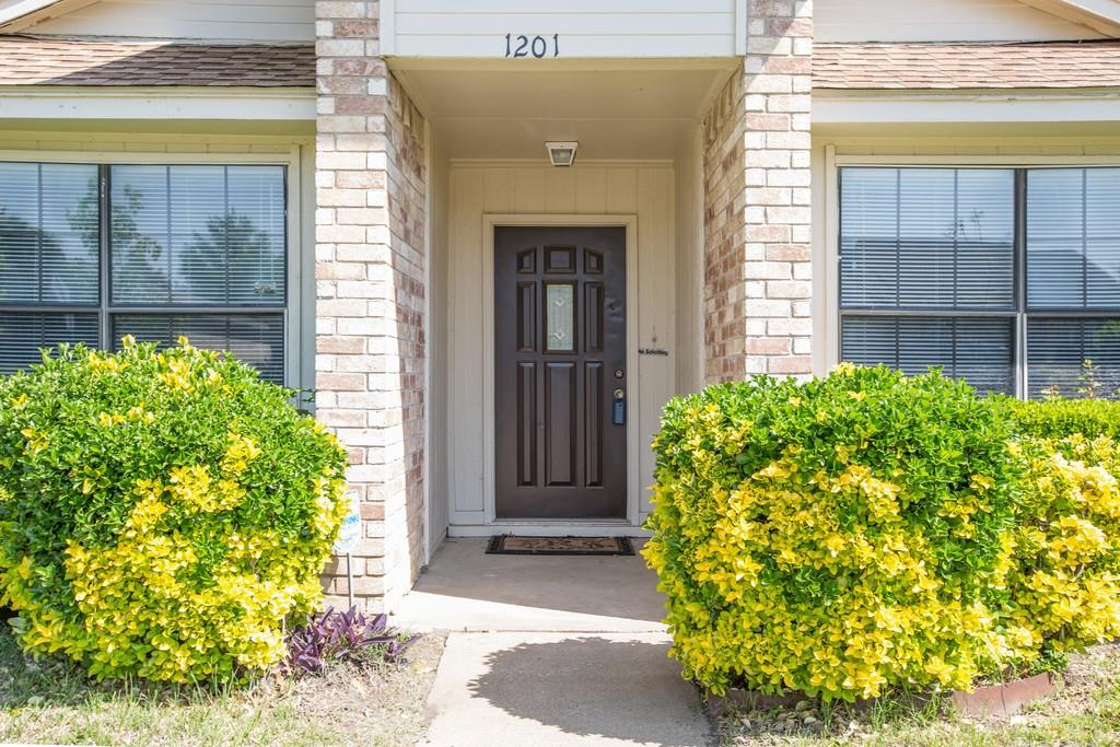 1201 Seabrook  Drive, Plano, Texas 75023 - acquisto real estate best the colony realtor linda miller the bridges real estate