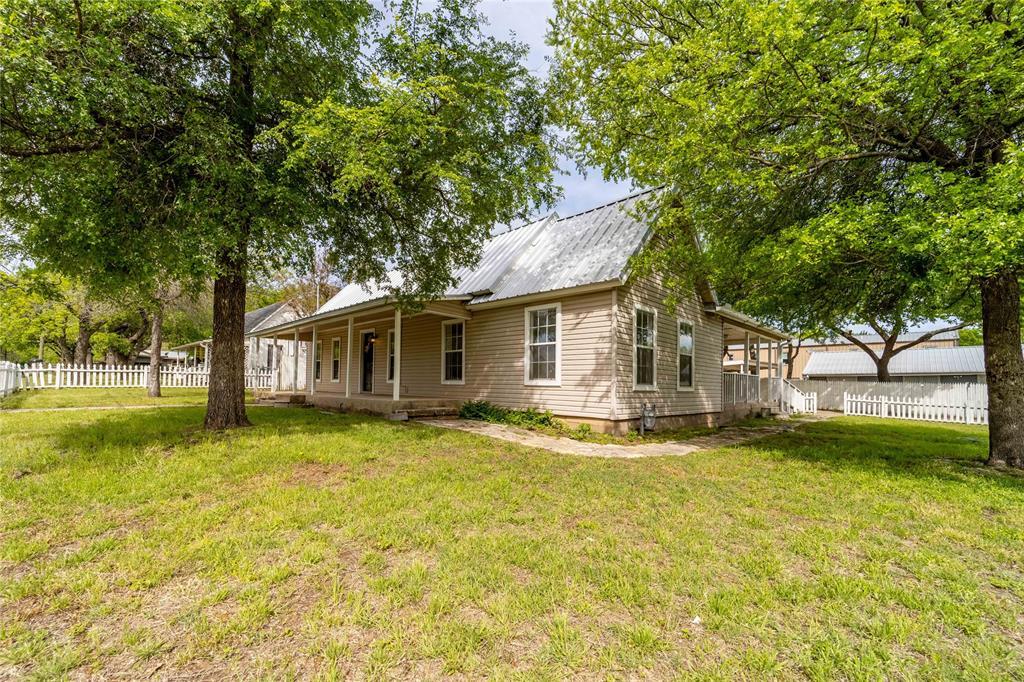 1065 Pecan  Street, Stephenville, Texas 76401 - Acquisto Real Estate best frisco realtor Amy Gasperini 1031 exchange expert