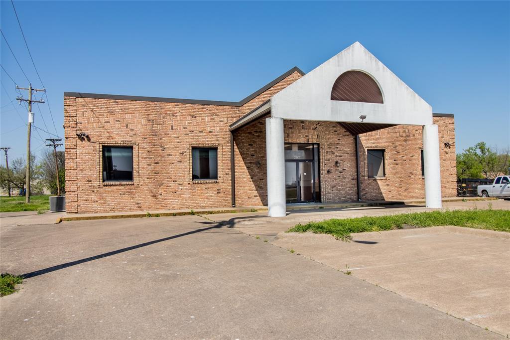 207 Fair  Street, Kaufman, Texas 75142 - Acquisto Real Estate best frisco realtor Amy Gasperini 1031 exchange expert