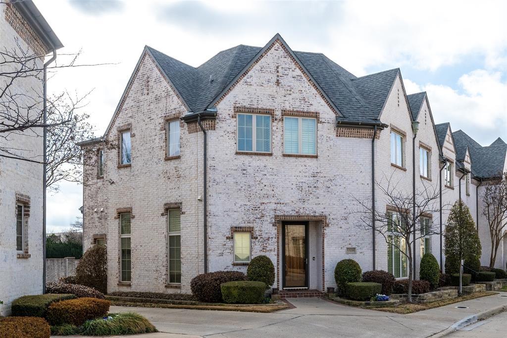 17238 Lechlade  Lane, Dallas, Texas 75252 - Acquisto Real Estate best frisco realtor Amy Gasperini 1031 exchange expert