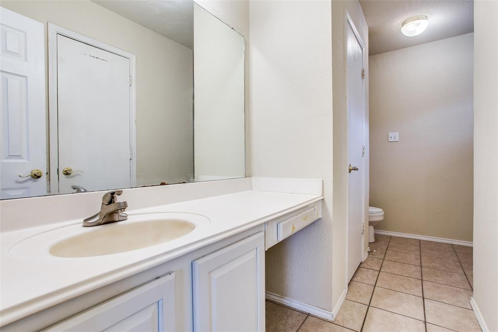 10632 Shadywood  Drive, Fort Worth, Texas 76140 - acquisto real estate best investor home specialist mike shepherd relocation expert