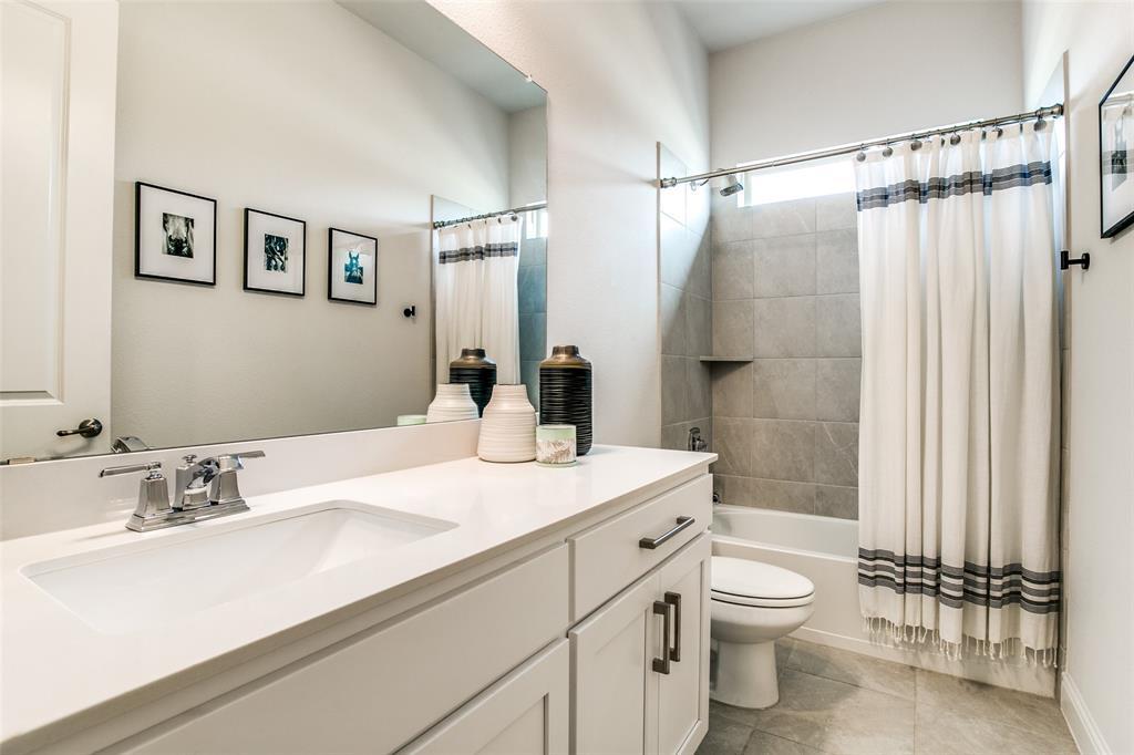 1704 Bellinger  Drive, Fort Worth, Texas 76052 - acquisto real estate best realtor dfw jody daley liberty high school realtor