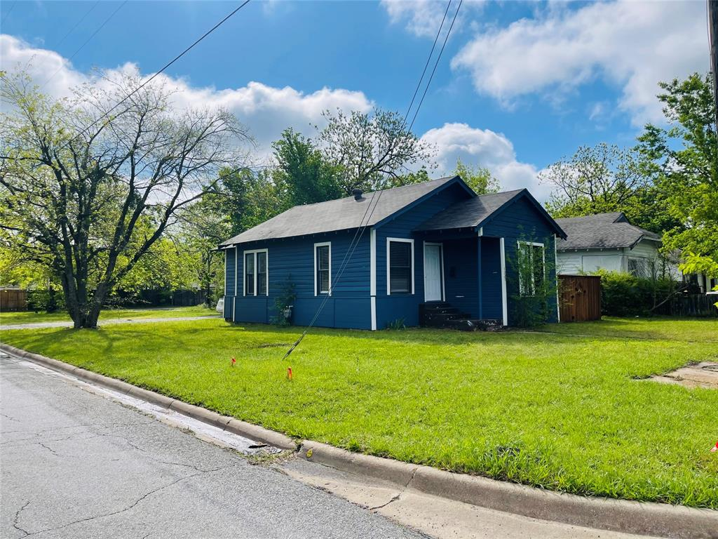 1321 Ross  Avenue, Sherman, Texas 75090 - Acquisto Real Estate best plano realtor mike Shepherd home owners association expert