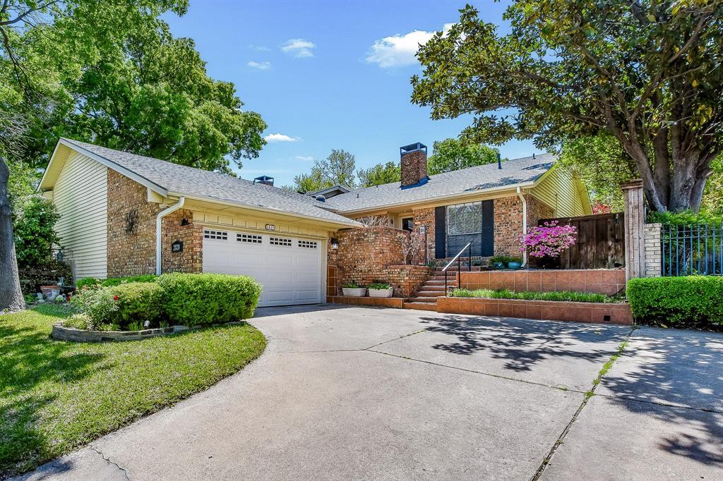 2820 Prescott  Drive, Carrollton, Texas 75006 - Acquisto Real Estate best plano realtor mike Shepherd home owners association expert