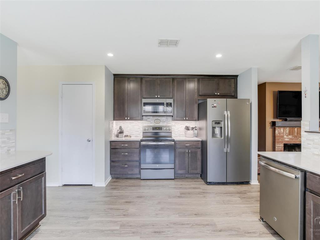 2516 Red Oak  Drive, Little Elm, Texas 75068 - acquisto real estate best luxury buyers agent in texas shana acquisto inheritance realtor