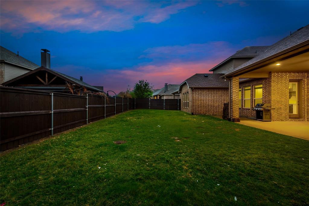 1024 Holston Hills  Trail, Roanoke, Texas 76262 - acquisto real estate best luxury home specialist shana acquisto