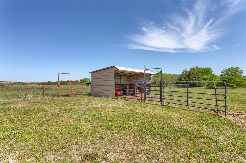 252 Emberson Ranch  Road, Pilot Point, Texas 76258 - acquisto real estate best negotiating realtor linda miller declutter realtor