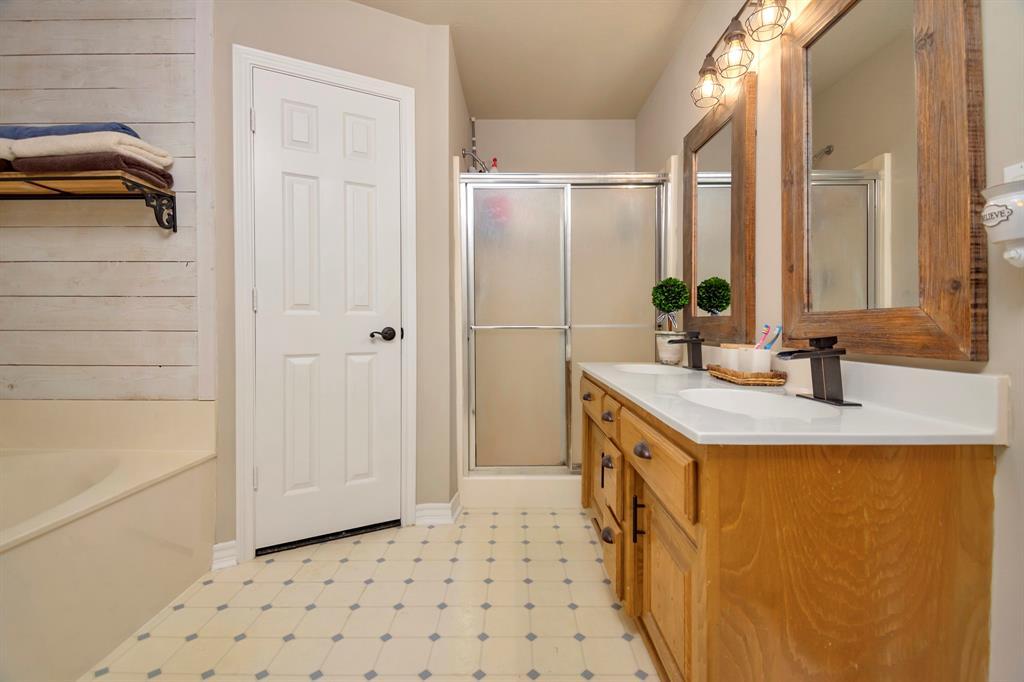 414 County Road 4659  Rhome, Texas 76078 - acquisto real estate best negotiating realtor linda miller declutter realtor