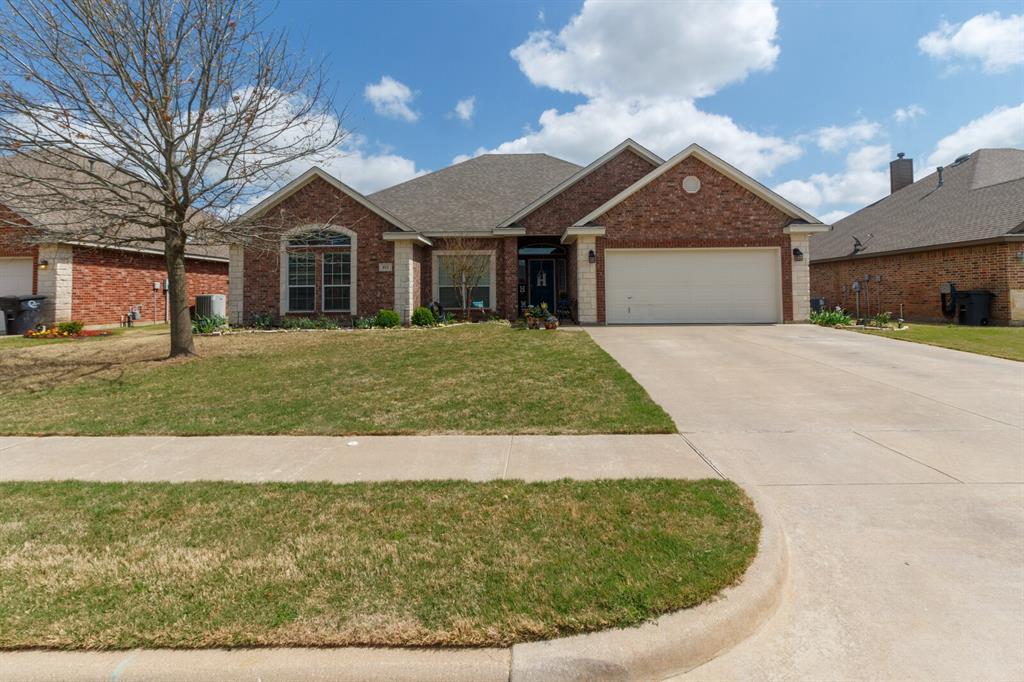 811 Chestnut Grove  Drive, Cleburne, Texas 76033 - Acquisto Real Estate best frisco realtor Amy Gasperini 1031 exchange expert