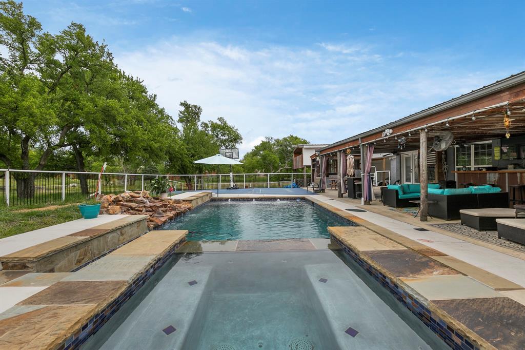 5901 Sachse  Road, Sachse, Texas 75048 - acquisto real estate best negotiating realtor linda miller declutter realtor