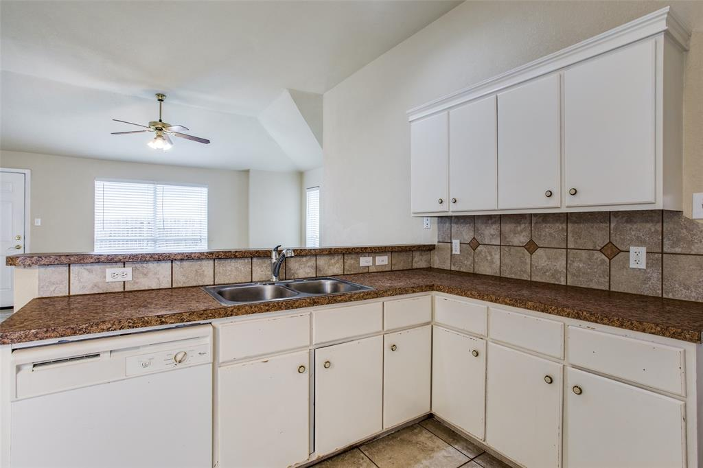 10632 Shadywood  Drive, Fort Worth, Texas 76140 - acquisto real estate best new home sales realtor linda miller executor real estate