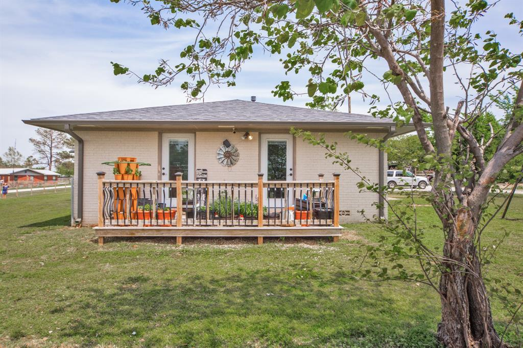 138 Silver  Street, Bowie, Texas 76230 - acquisto real estate best prosper realtor susan cancemi windfarms realtor
