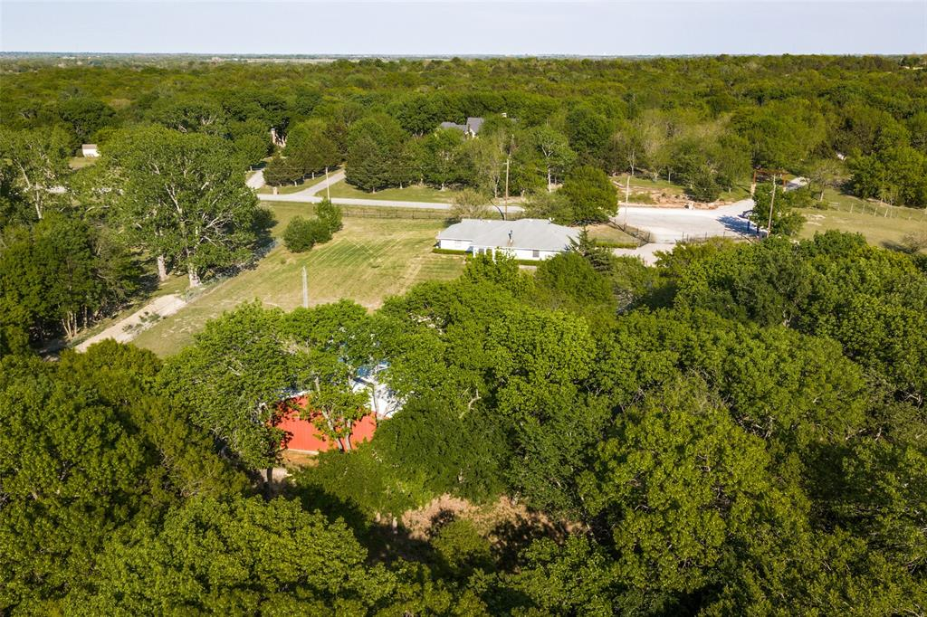 457 Raintree  Road, Bells, Texas 75414 -