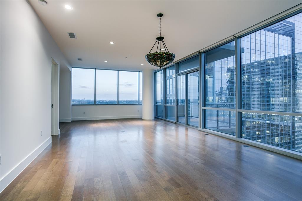 2200 Victory  Avenue, Dallas, Texas 75219 - acquisto real estate best real estate company to work for