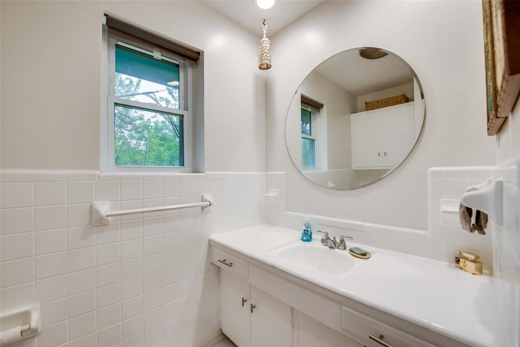 2443 Monaco  Lane, Dallas, Texas 75233 - acquisto real estate mvp award real estate logan lawrence