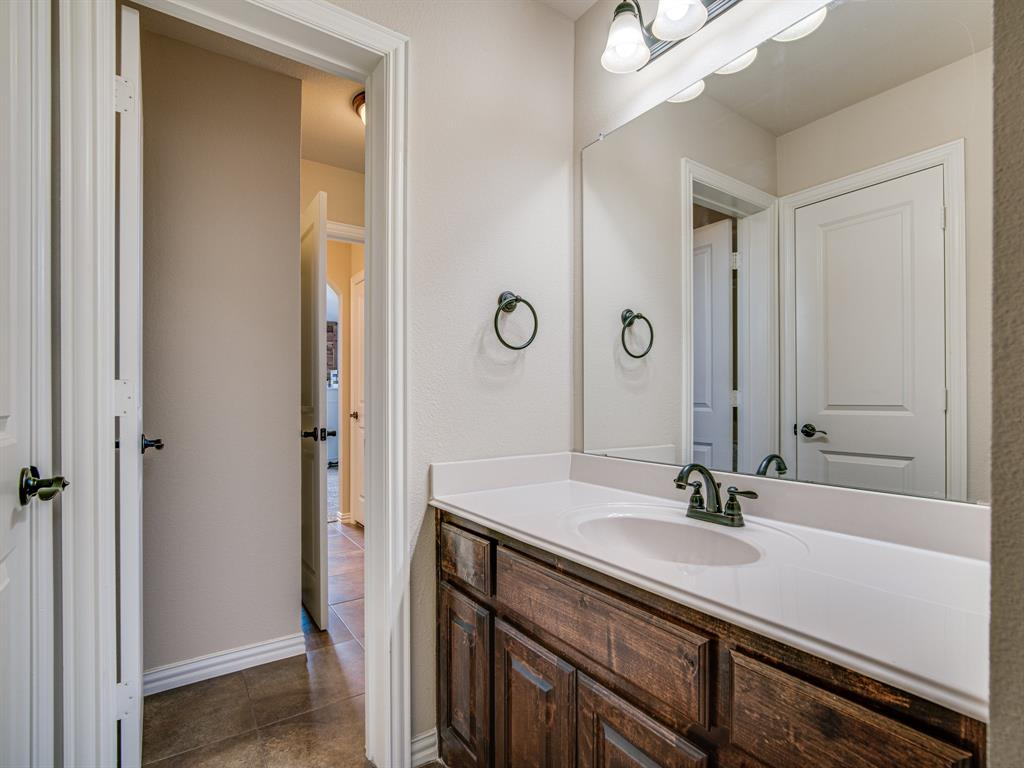 1310 Billingsley  Drive, Waxahachie, Texas 75167 - acquisto real estate best plano real estate agent mike shepherd