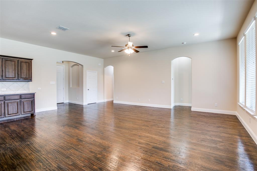 275 Ovaletta  Drive, Justin, Texas 76247 - acquisto real estate best real estate company in frisco texas real estate showings
