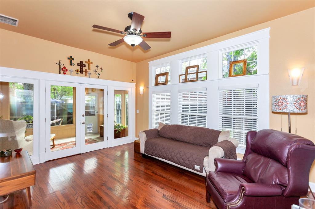 2260 Fairmount  Avenue, Fort Worth, Texas 76110 - acquisto real estate best highland park realtor amy gasperini fast real estate service