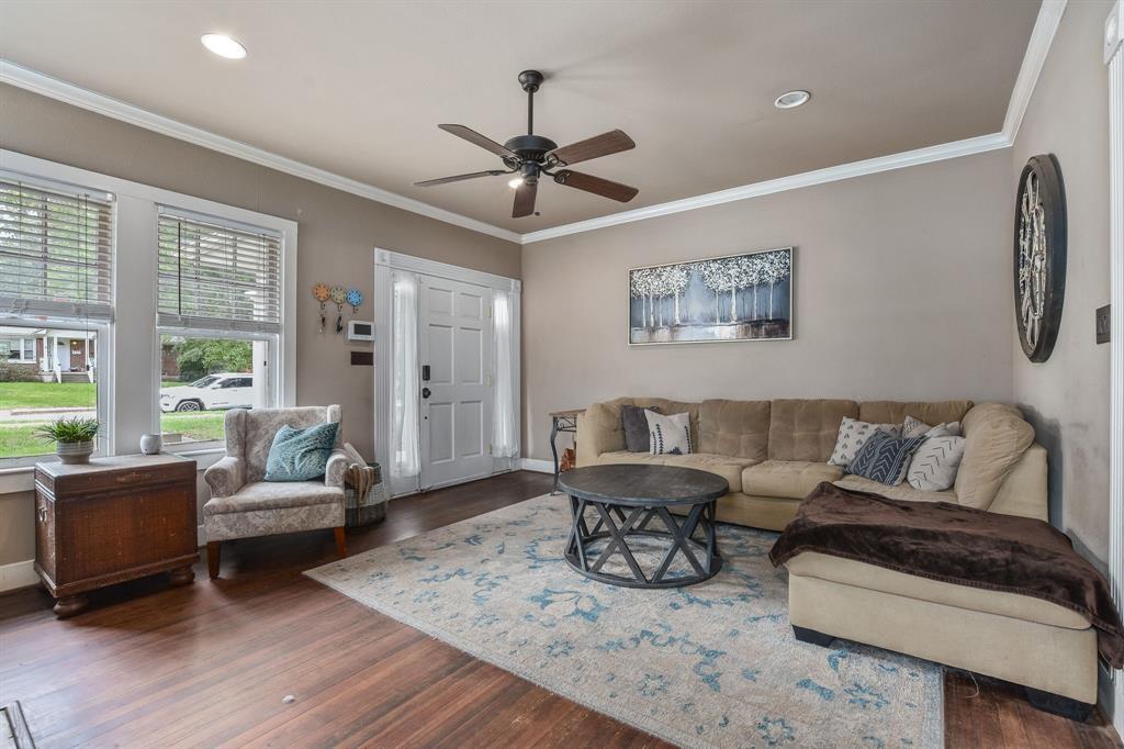 201 Pecan  Street, Terrell, Texas 75160 - acquisto real estate best highland park realtor amy gasperini fast real estate service