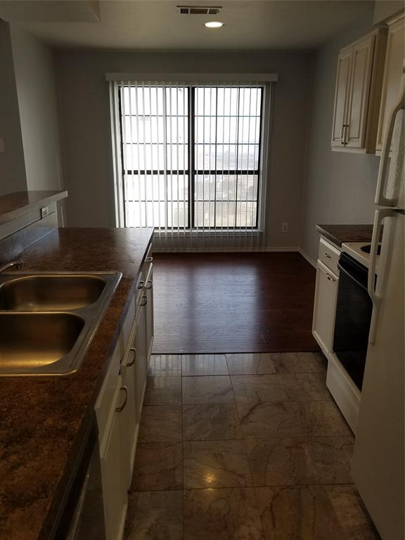 5722 Marvin Loving  Drive, Garland, Texas 75043 - acquisto real estate best new home sales realtor linda miller executor real estate