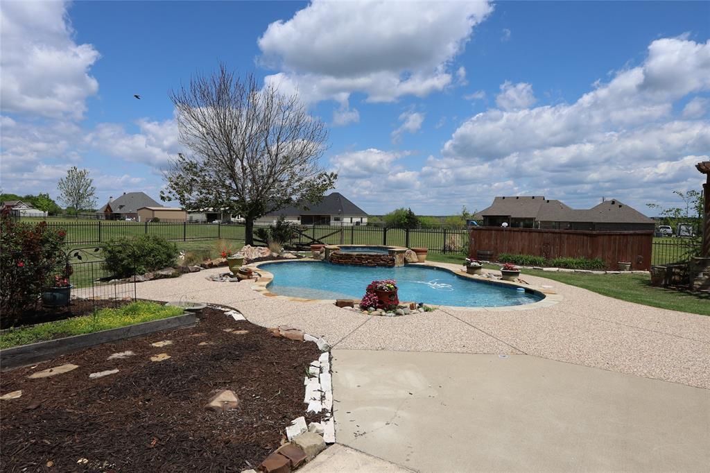 10188 Dennehy  Drive, Talty, Texas 75126 - acquisto real estate best realtor dfw jody daley liberty high school realtor