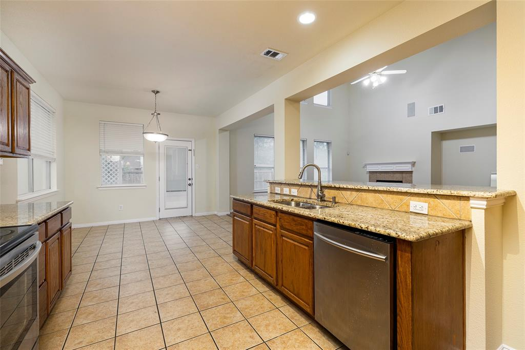 3812 Shiver  Road, Fort Worth, Texas 76244 - acquisto real estate best new home sales realtor linda miller executor real estate