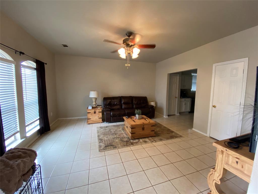 317 Texas  Drive, Lake Dallas, Texas 75065 - acquisto real estate best allen realtor kim miller hunters creek expert