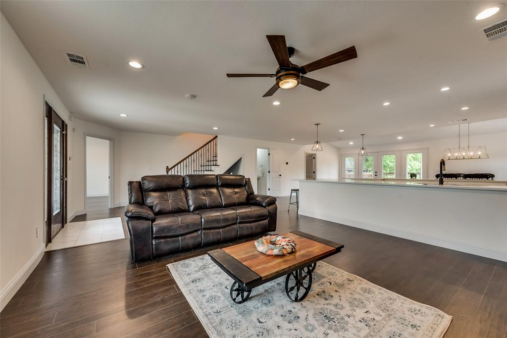 303 S. Walker  Street, Dallas, Texas 75149 - acquisto real estate best prosper realtor susan cancemi windfarms realtor