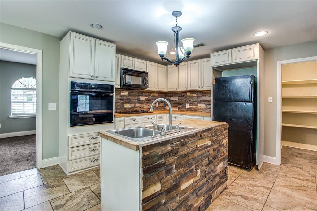 1322 Sears  Street, Denison, Texas 75020 - acquisto real estate best prosper realtor susan cancemi windfarms realtor