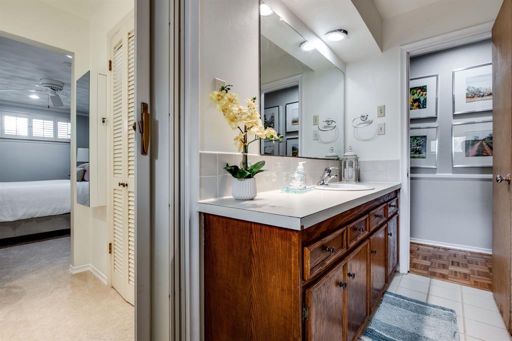 700 Winchester  Drive, Richardson, Texas 75080 - acquisto real estate best negotiating realtor linda miller declutter realtor
