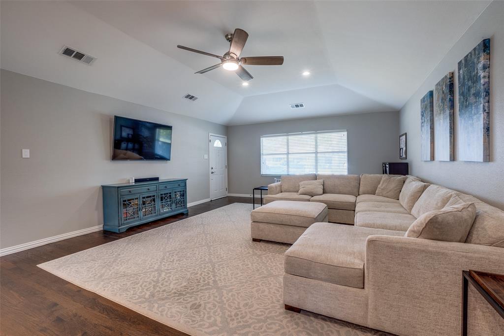 6844 Town North  Drive, Dallas, Texas 75231 - acquisto real estate best prosper realtor susan cancemi windfarms realtor