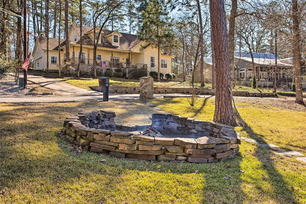 2133 Private Road 7908  Hawkins, Texas 75765 - acquisto real estate agent of the year mike shepherd