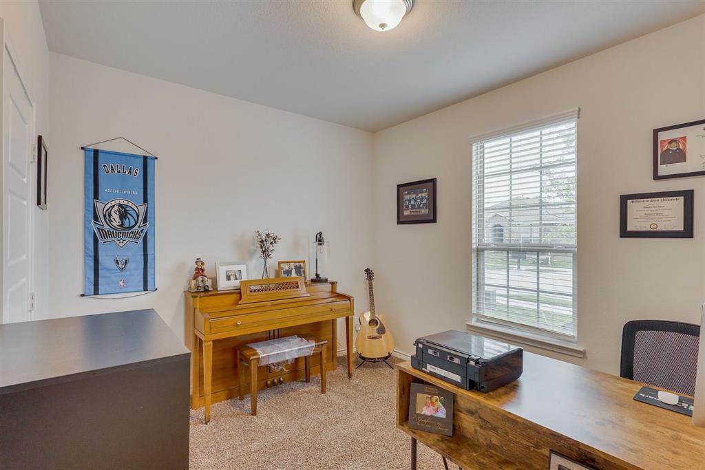 6313 Crownmere  Drive, Aubrey, Texas 76227 - acquisto real estate best celina realtor logan lawrence best dressed realtor