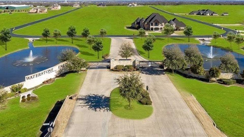 2H4 Deerwood  Trail, McKinney, Texas 75071 - Acquisto Real Estate best plano realtor mike Shepherd home owners association expert