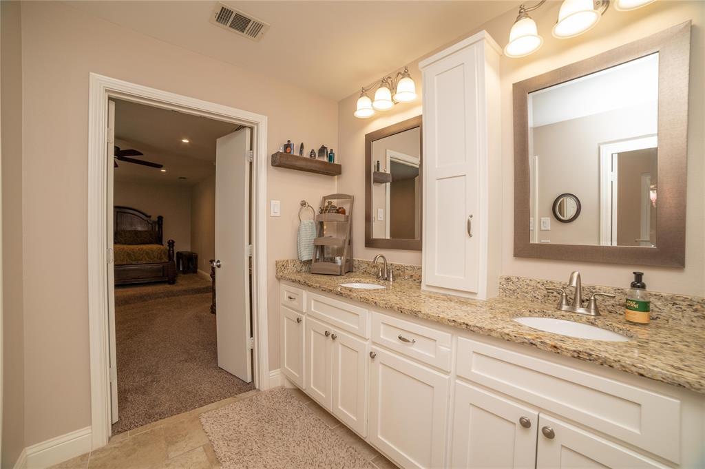 2426 Sherwood  Drive, Grand Prairie, Texas 75050 - acquisto real estate best realtor dfw jody daley liberty high school realtor