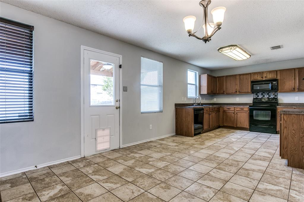 1724 Rialto  Way, Fort Worth, Texas 76247 - acquisto real estate best real estate company in frisco texas real estate showings