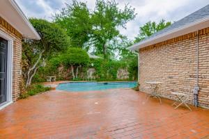 9631 Hilldale  Drive, Dallas, Texas 75231 - acquisto real estate best luxury home specialist shana acquisto