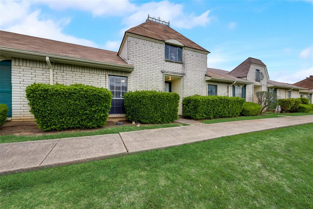 10 Townhouse  Lane, Grand Prairie, Texas 75052 - Acquisto Real Estate best mckinney realtor hannah ewing stonebridge ranch expert