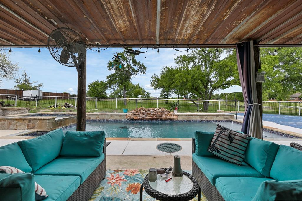 5901 Sachse  Road, Sachse, Texas 75048 - acquisto real estate best realtor dfw jody daley liberty high school realtor