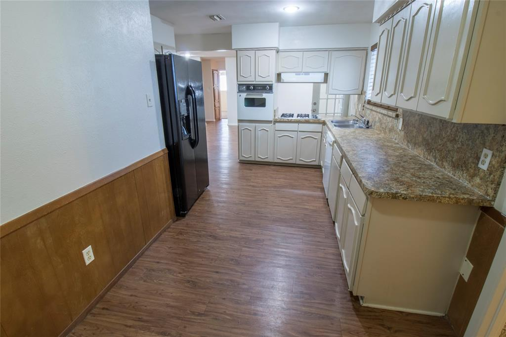 1814 Santa Cruz  Court, Grand Prairie, Texas 75051 - acquisto real estate best investor home specialist mike shepherd relocation expert