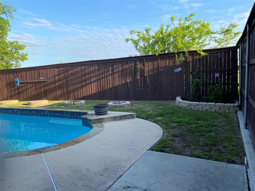 534 Nightshade  Drive, Arlington, Texas 76018 - acquisto real estate best luxury buyers agent in texas shana acquisto inheritance realtor